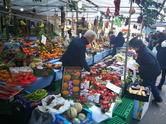 Sandros Galdikaitės nuotr./Ūkininkas Via Benedetto Marcello turguje