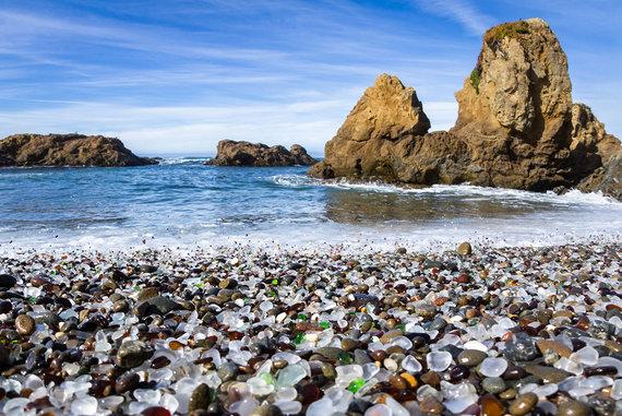 Shutterstock.com nuotr./Stiklo paplūdimys, Kalifornija, JAV