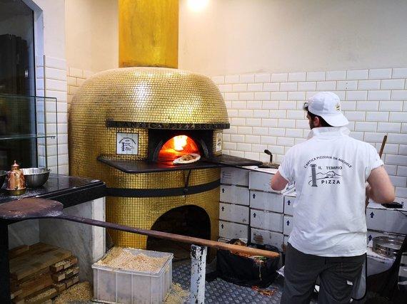 "Asm.archyvo nuotr./""Antica Pizzeria da Michele"" (Romos filialas)"