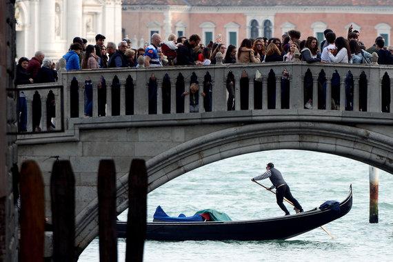 """""""Reuters""""/""""Scanpix"""" nuotr./Turistai Venecijoje"""