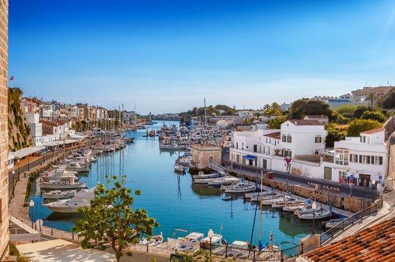 Shutterstock.com nuotr./Menorka