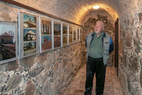 Kristinos Stalnionytės nuotr./Pašto stoties rūsyje įkurta meno galerija