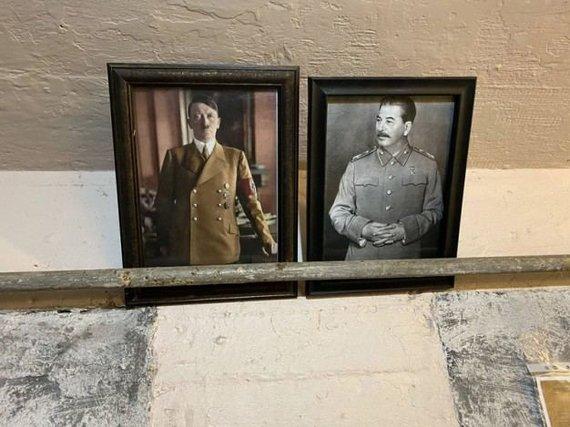 Jono Valaičio/VE.LT nuotr./Ant sienos kabo Antrojo pasaulinio karo agresorių nuotraukos
