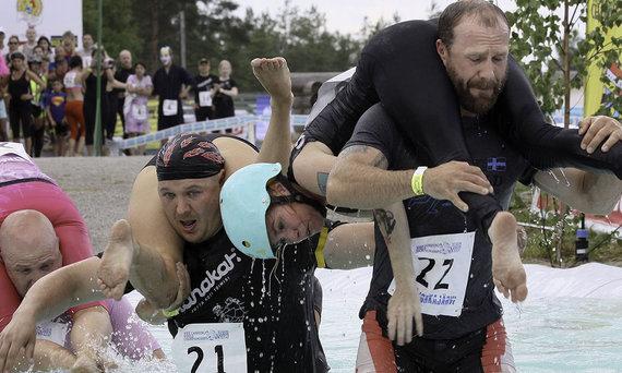 Shutterstock.com nuotr./Sonkajärvi – žmonių nešimo festivalis