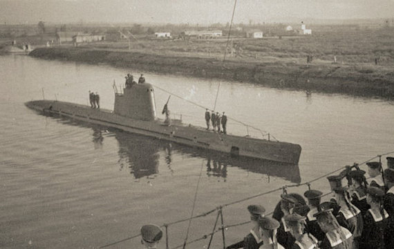 Ve.lt nuotr./Manoma, kad panašūs elektriniai-dyzeliniai mažieji povandeniniai laivai galėjo švartuotis Kuršmarėse