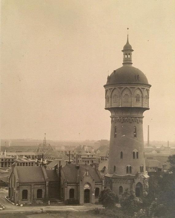 VE redakcijos archyvo nuotr./Taip atrodė įstabusis vandens bokštas, stovėjęs šalia išlikusios siurblinės ir susprogdintas per Antrąjį pasaulinį karą