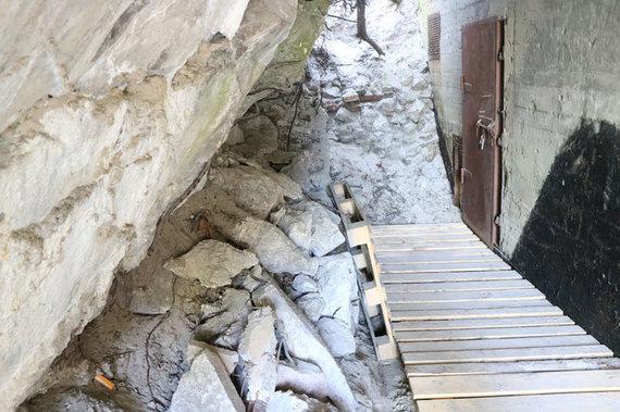 """D.Nikitenkos/VE.lt nuotr./Nauja, su pasieniečių veikla ir istorija susijusi ekspozicija bus įrengta išvalytame pietiniame """"Memel-Nord"""" baterijos bunkeryje"""