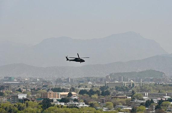 Dano Pankevičiaus nuotr./Kariniai malūnsparniai virš Kabulo