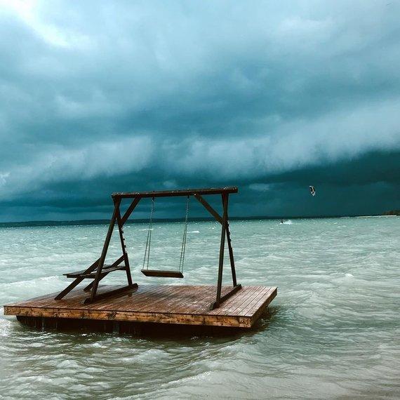 Domo Peštenio nuotr./Dusios ežeras artėjant audrai