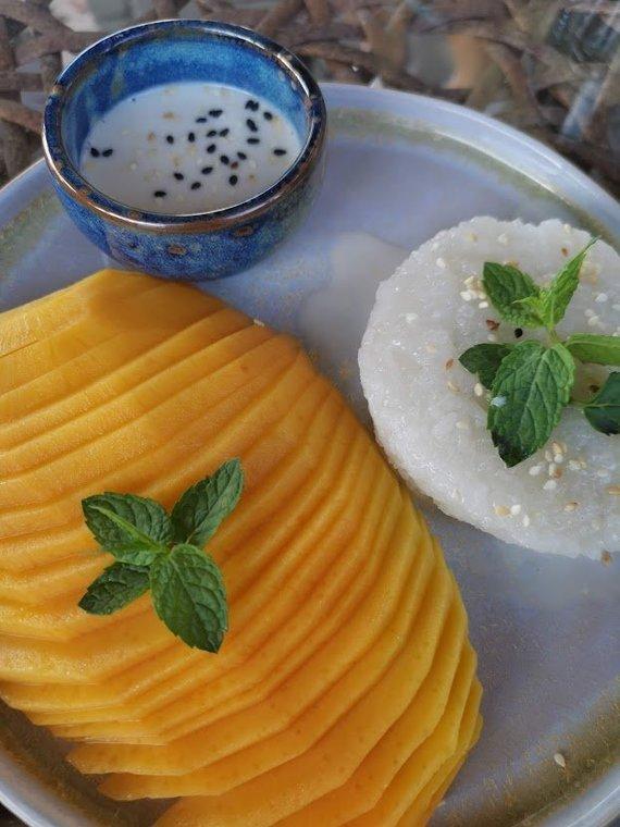 Tailandieciai.lt nuotr./Mango sticky rice – vienas populiariausių tailandietiškų desertų