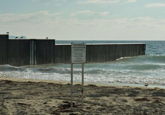 "AFP/""Scanpix"" nuotr./JAV-Meksikos pasienis"