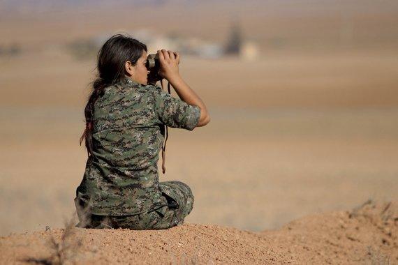 """""""Reuters""""/""""Scanpix"""" nuotr./Kurdės, pasirengusios kovai su """"Islamo valstybe"""""""