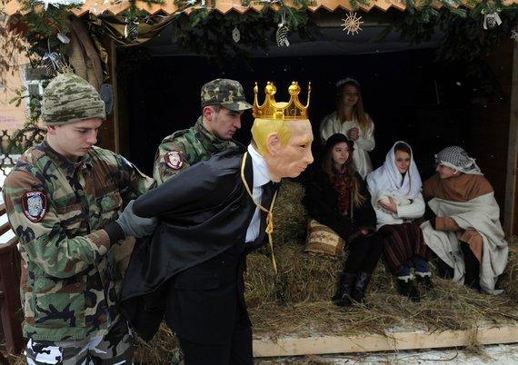 """AFP/""""Scanpix"""" nuotr./Karalius Erodas ukrainiečių Kalėdiniame vaidinime tapo Vladimiru Putinu"""