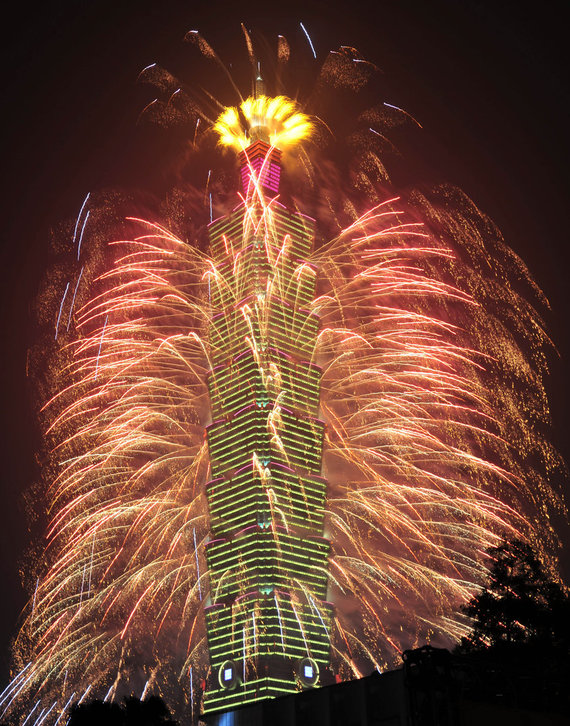 """""""Scanpix""""/""""Sipa USA"""" nuotr./Naujųjų metų sutikimas Taivane"""