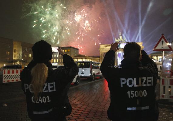 """""""Reuters""""/""""Scanpix"""" nuotr./Naujieji metai Berlyne, Vokietijoje"""