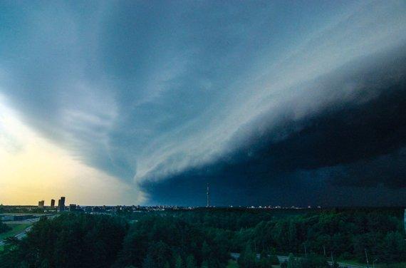 15min skaitytojo Tomo nuotr./Audros debesys Vilniuje