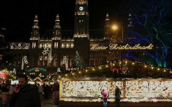 Indrės Bungardaitės nuotr./Kalėdų mugė prie Rathaus