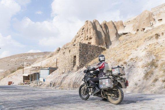 Asm.archyvo nuotr./Kandovan kaimelis, Iranas