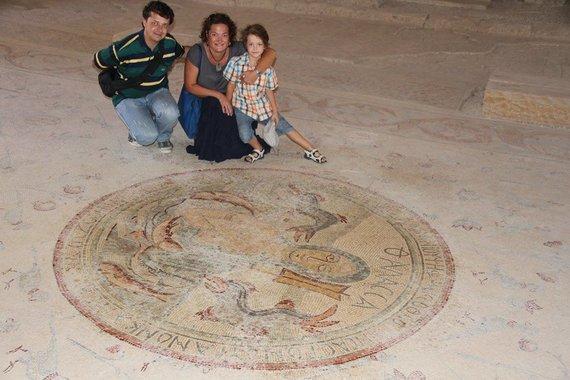 Gabrielė Dokšaitė-Čekuolė su šeima Jordanijoje