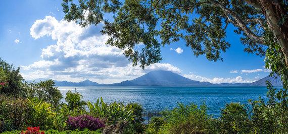 Shutterstock.com nuotr./Atitlano ežeras
