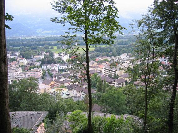 Vaido Mikaičio nuotr./Vaduco panorama nuo pilies kalno