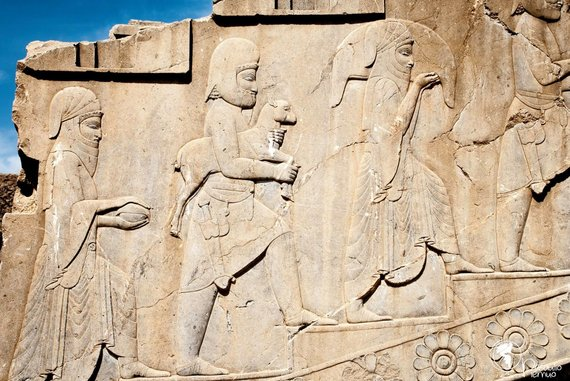 Tomo Baranausko/Pasaulio piemuo nuotr./Daug geriau nei kolonos ar sienos Persepolyje išlikę bareljefai su vaizdais iš ano meto gyvenimo. Įdomiausia, kad iš gausybės išlikusių bareljefų tik viename pavaizduota moteris