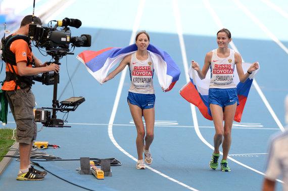 Alfredo Pliadžio/LAF nuotr./Greitojo ėjimo nugalėtojos - Jelena Lašmanova (dešinėje) ir Anisija Kirdiapkina