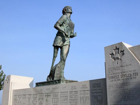 Paminklas Terry Foxui Ontarijo valstijoje