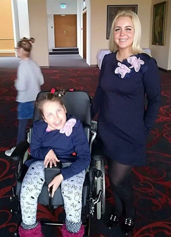 Asmeninio archyvo nuotr. /Deimantė Valčiukaitė su dukra