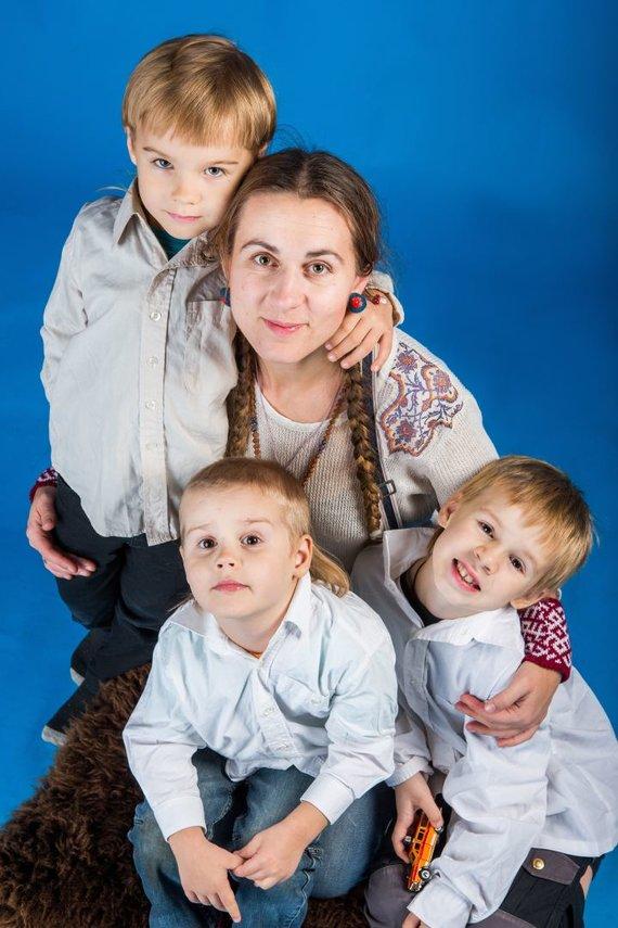Asmeninio archyvo nuotr. /Ingula Rinkevičienė su vaikais
