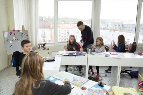 """Asmeninio archyvo nuotr./Marius Žičius dirba """"Herojaus"""" mokykloje"""