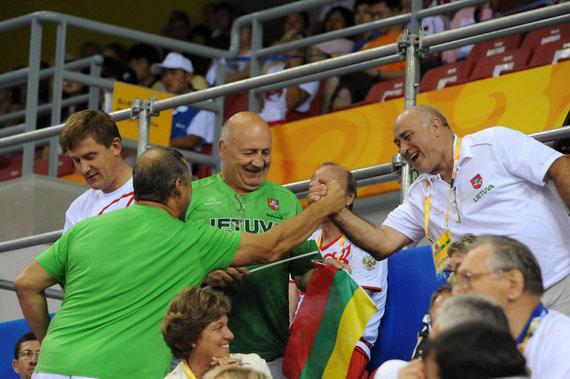 pliadisfoto.com/Valentinas Mizgaitis 2008 metų Pekino olimpiadoje. Šalia – Vytas Nėnius ir Vladas Bagdonas
