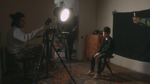 "Viacheslav Tsvietkov/Albatros Communicos, Moonmakers nuotr./Kadras iš filmo ""Mėlyna kaip apelsinas Žemė"""