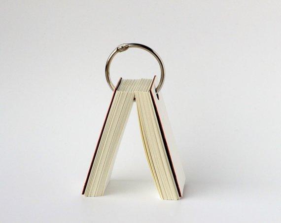 """NoRoutine Books nuotr./Knyga """"Nuogirdos"""""""