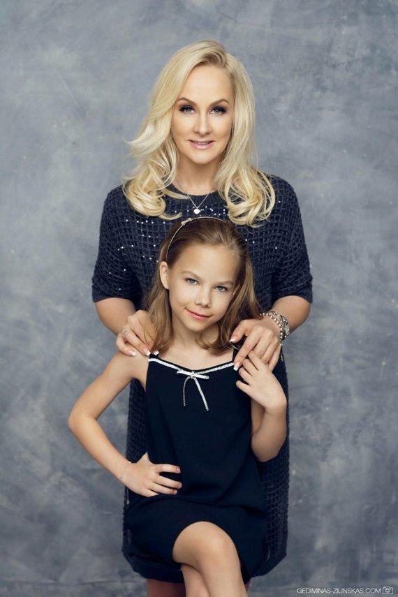 Aistės Navickaitės-Balčienės nuotr./Diana Dargienė su dukra Une