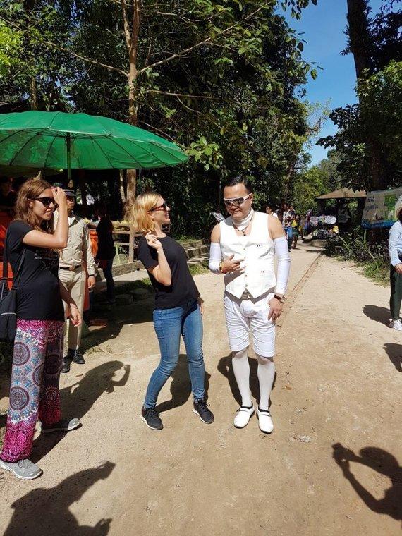 Asmeninio albumo nuotr./Reperis Psy Kambodžoje susitiko su lietuviais