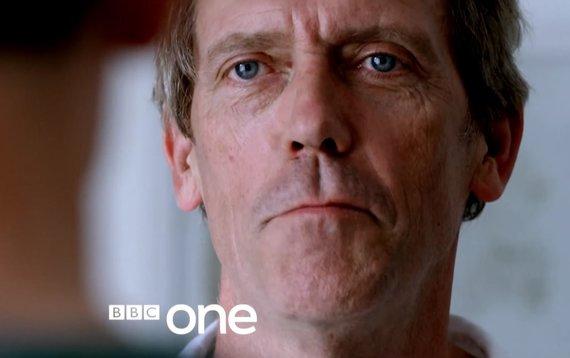 """""""YouTube"""" nuotr./Aktorius Hughas Laurie vaidino personažą Ričardą Roperį iš serialo """"Nakties vadybininkas"""""""