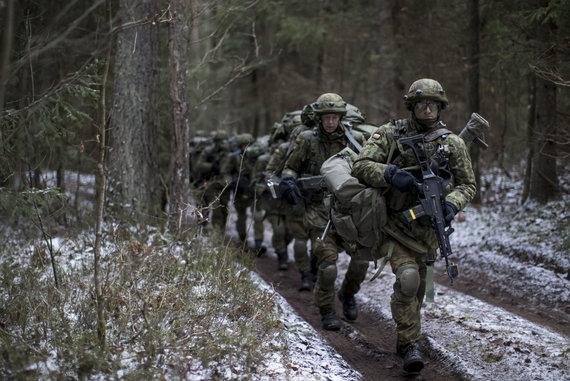 """""""Scanpix""""/AP nuotr./Lietuvoje gynybai ruošiasi ir civiliai"""