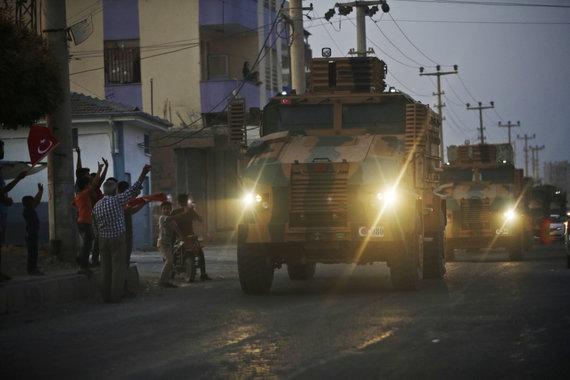 """""""Scanpix""""/AP nuotr./Turkijos pajėgos pradėjo karinę operaciją kurdų kontroliuojamoje Sirijos šiaurėje"""