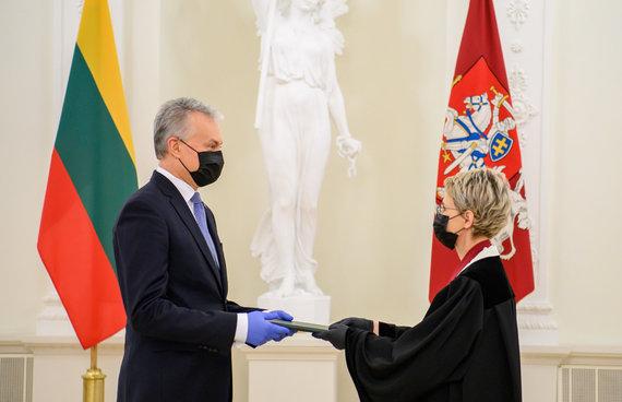 LR Prezidento kanceliarijos/R.Dačkaus nuotr./Prezidentas priėmė generalinės prokurorės Nidos Grunskienės priesaiką