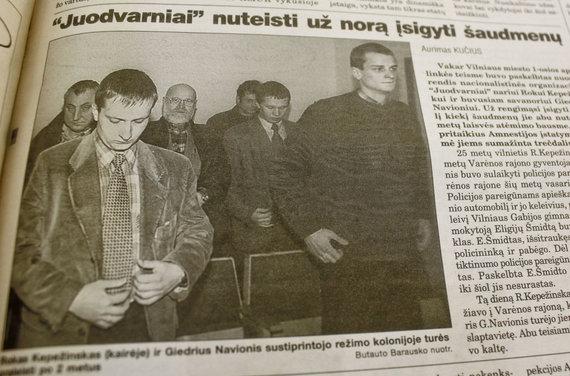 """Nuotrauka iš 2000 m. laikraščio """"Respublika"""" publikacijos/Rokas Kepežinskas ir Giedrius Navonis"""