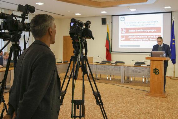 Mato Miežonio / 15min nuotr./Lietuvos bankas pristatė vertinimus dėl Vyriausybės pasiūlytų mokesčių pakeitimų