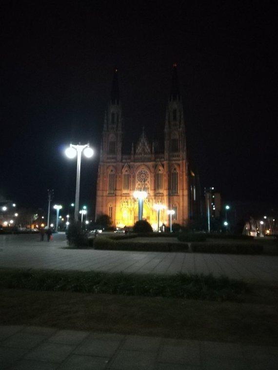 La Platos miesto katedra