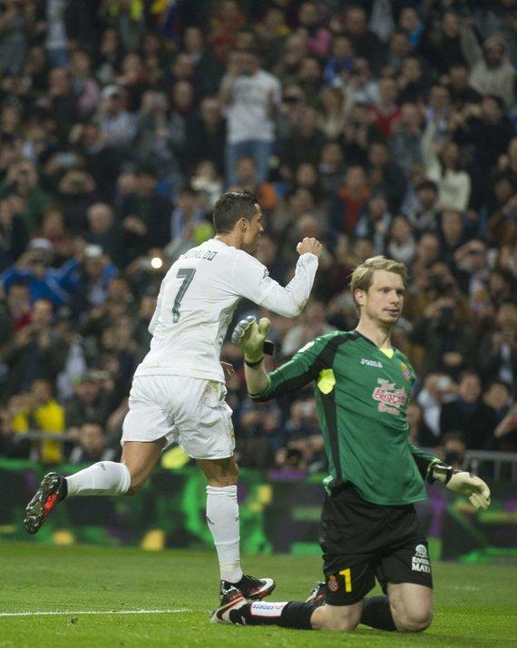 """""""Scanpix"""" nuotr./Cristiano Ronaldo ir Giedrius Arlauskis."""