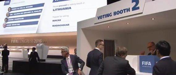 Lietuva atiduoda balsą, o rinkimus stebi LFF prezidentas Edvinas Eimontas.
