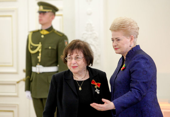 Vidmanto Balkūno / 15min nuotr./Prezidentūroje apdovanota Irena Veisaitė