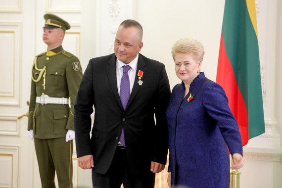 Vidmanto Balkūno / 15min nuotr./Prezidentūroje apdovanotas Tadas Vizgirda