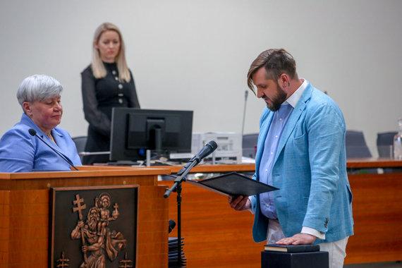Vidmanto Balkūno / 15min nuotr./Gediminas Jaunius prisiekė Vilniaus taryboje