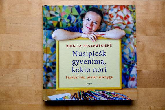 Vidmanto Balkūno / 15min nuotr./Brigita Paulauskienė ir jos piešiniai