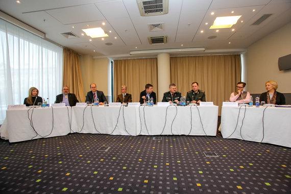"""Vidmanto Balkūno / 15min nuotr./ Apskrito stalo diskusija """"Ilgos eilės pasienyje su Baltarusija – (ne)išsprendžiama problema?"""""""